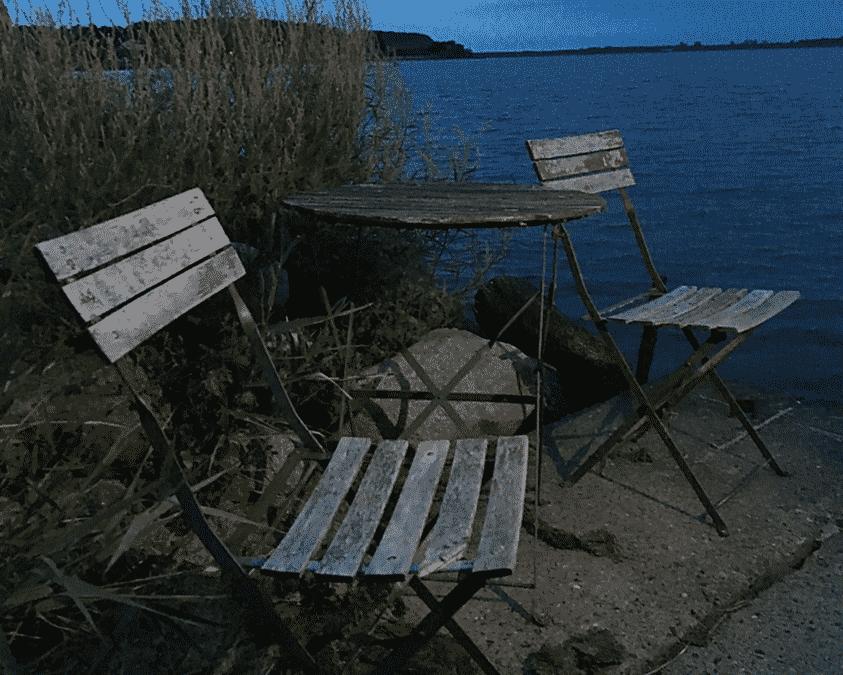 Gespräche am Meer